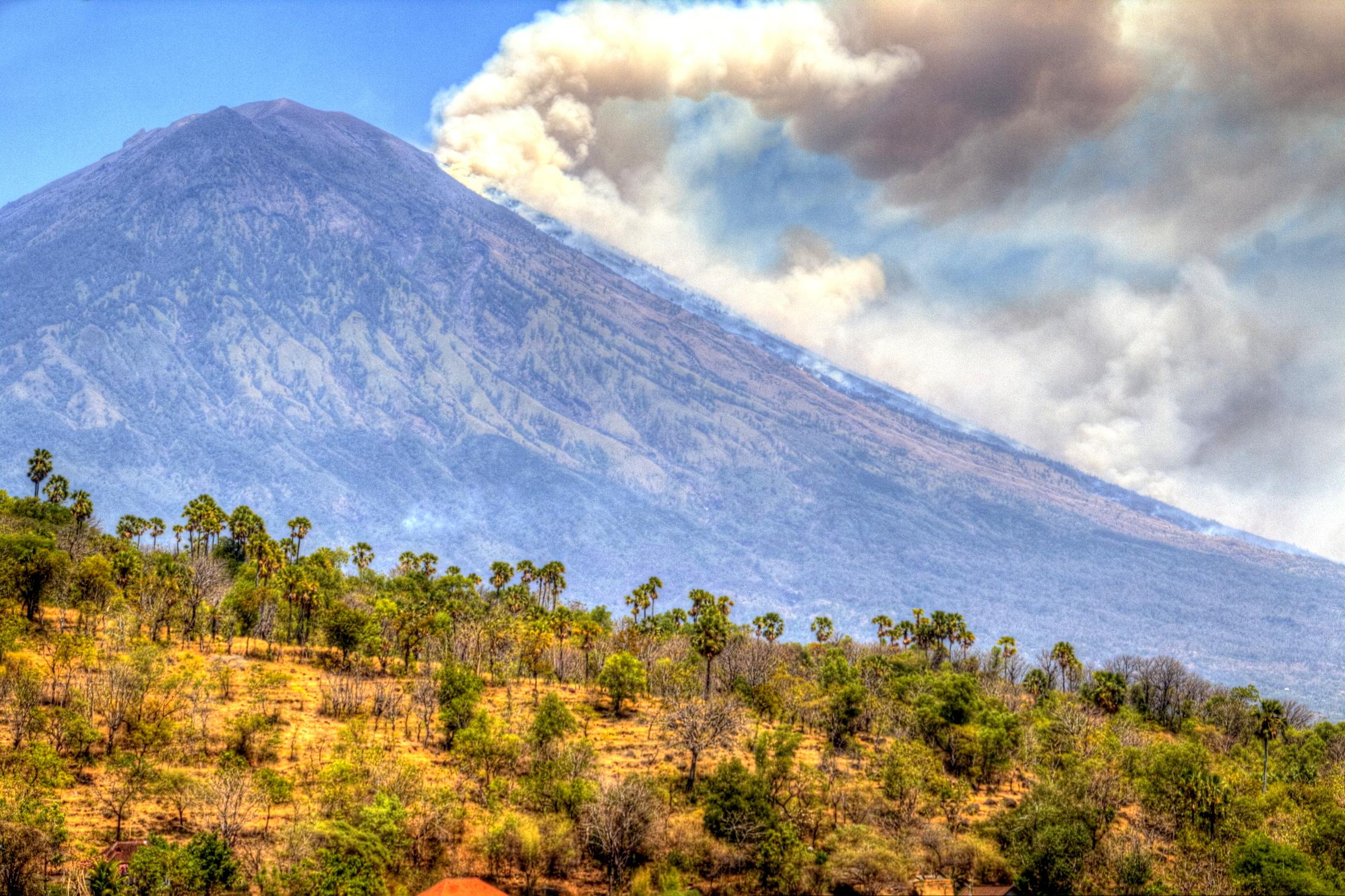 Größter Vulkan Balis steht kurz vor dem Ausbruch